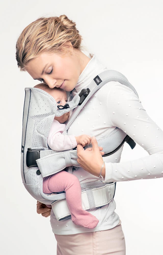 ergonoic-baby-carrier-one-air-newborn-babybjorn