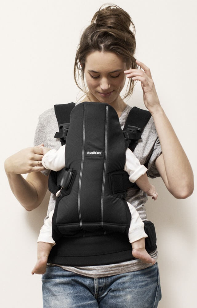 hip-friendly-baby-carrier-we-with-newborn--from-babybjorn