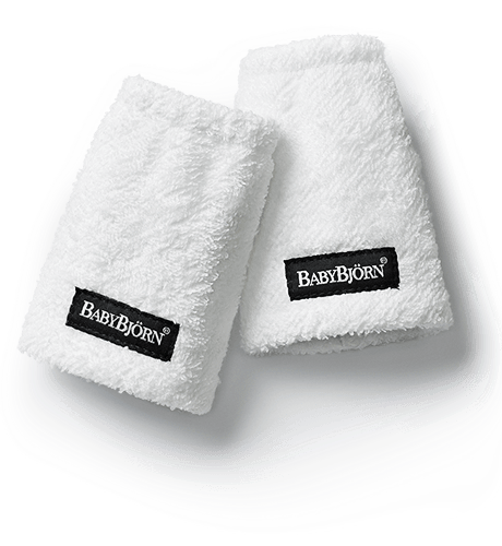 Teething-Pads-For-Baby-Carrier-White-032021-BabyBjorn