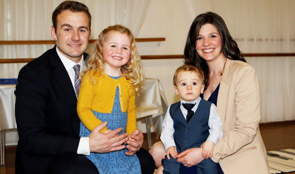 BABYBJÖRN Parental Magazine – Blogger Michelle Haslett, What Mummy Thinks, with her family.