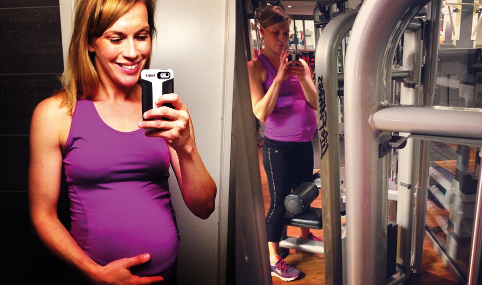 BABYBJÖRN Magazine – A pregnant Petra Månström does pregnancy workouts with weights in the gym.