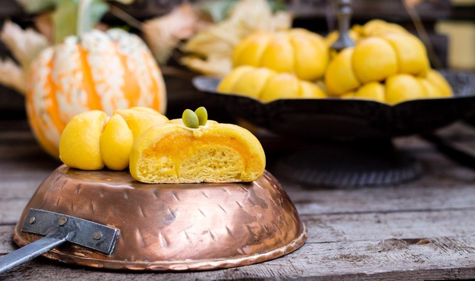 Revista BABYBJÖRN – Deliciosos bollitos de calabaza para Halloween