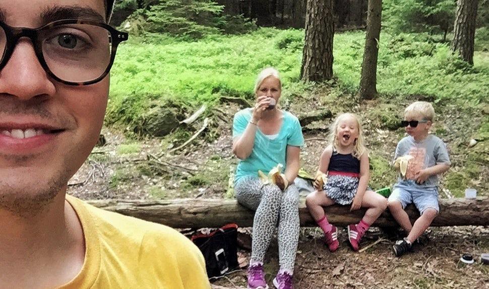 BABYBJÖRN Magazine – The Matkoma Family is dad Joacim, mom Karolina, and kids Klara and Sixten.