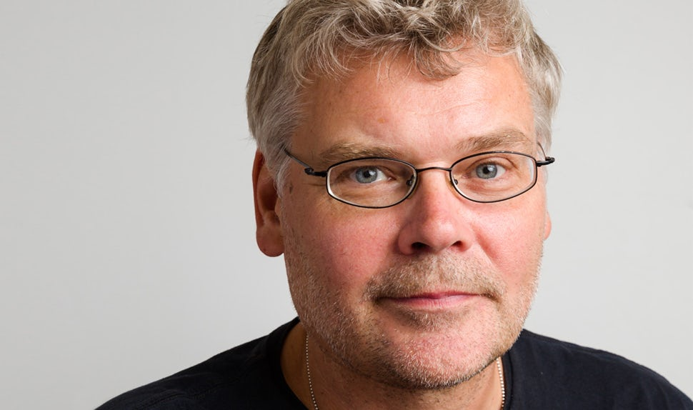 BABYBJÖRN Magazine – Mats Berggren is one of the most experienced lecturers both in Sweden and internationally on the subject of pregnancy for dads and he is an expert on equal parenting.