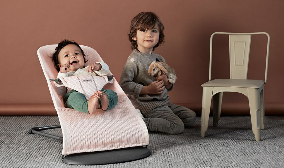 Bouncer Bliss - Our classic baby bouncer in a new design - BABYBJORN