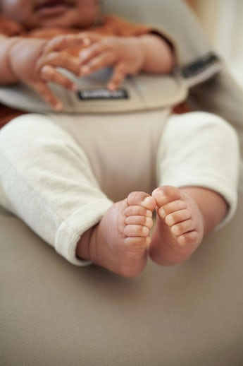 Babysitter Balance Soft Kaki Beige Cotton - BABYBJÖRN