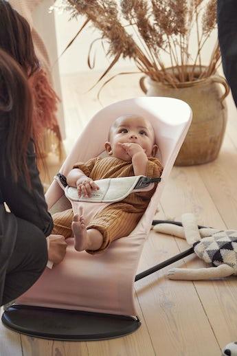 Babysitter Balance Soft Ljusrosa Gra Cotton Jersey - BABYBJÖRN