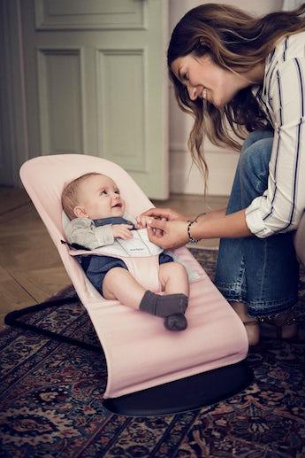 Babysitter Balance Soft i ljusrosa/grå mjuk Cotton/Jersey - BABYBJÖRN
