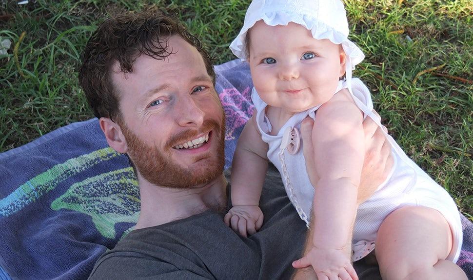 BABYBJÖRN Magazine – Johannes Asplund on paternity leave.