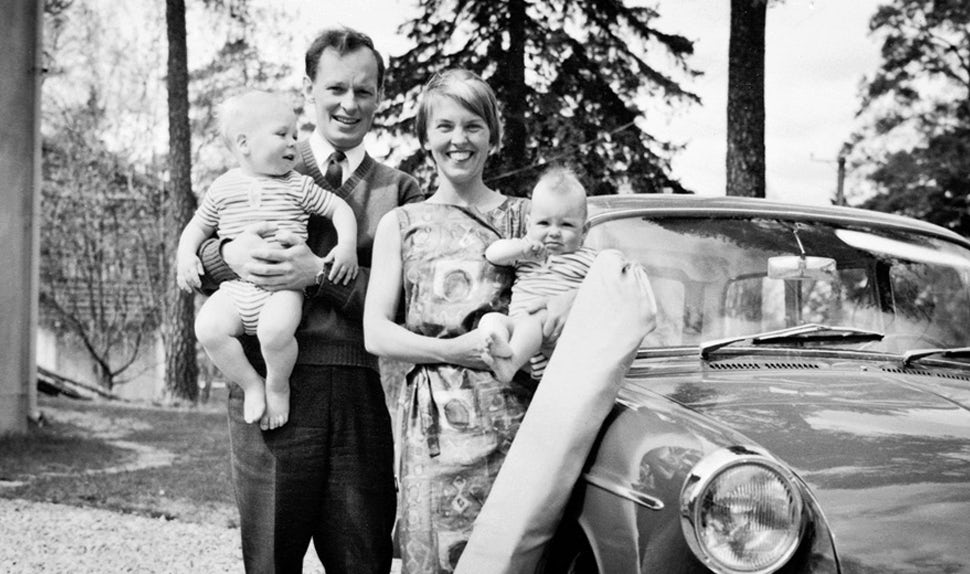 babybjorn-about-us-bjorn-and-lillemor-1965