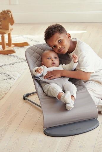 Babysitter Bliss Sandgrå quiltat Bomull - BABYBJÖRN