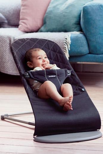Babysitter Bliss Svart Cotton - BABYBJÖRN