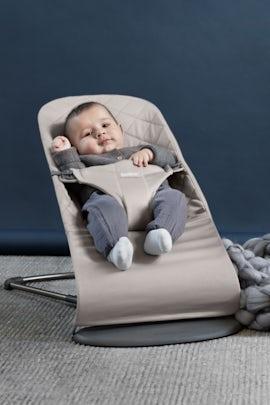 Babywippe Bliss Sand Grau Cotton - BABYBJÖRN