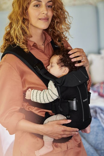 Baby Carrier One in Black in Cotton - BABYBJÖRN
