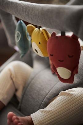 Spielzeug für Babywippe - Weiche Freunde