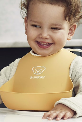 Baby Bib 2-pack in Powder Yellow and Powder Blue - BABYBJÖRN