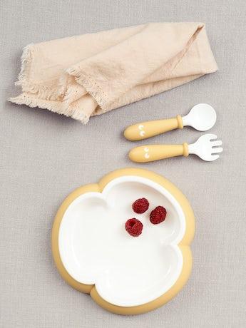 Kinderteller, Löffel und Gabel, 2 Sets, Blassgelb. Kindergeschirr mit cleverem Design, das das selbstständige Essen fördert - BABYBJÖRN