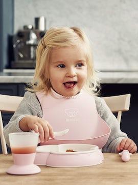 Küchenset für Kinder 5 Teile Blassrosa – cleveres Design für Mahlzeiten, die Spaß machen - BABYBJÖRN