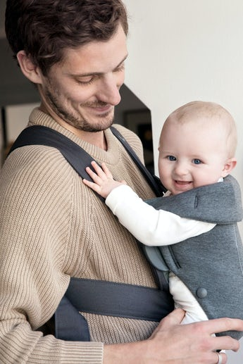 Mochila Porta Bebé Mini Gris Oscuro 3D Jersey - BABYBJÖRN