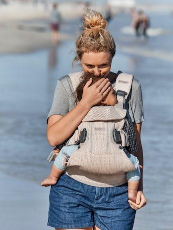Porte-bébé One Air Rose Nacré en 3D Mesh - BABYBJÖRN