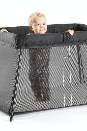 babybjorn-travel-crib-light-black-002