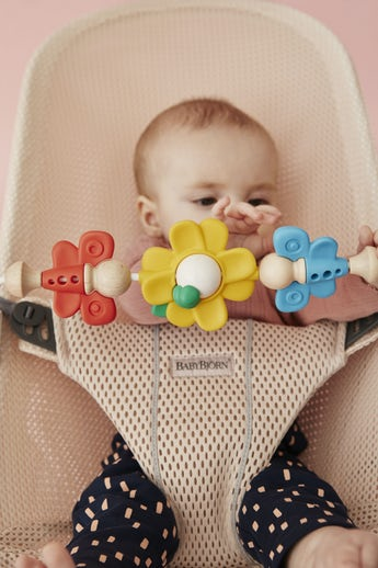 Bouncer Bliss Pearly Pink with Toy Flying Friends - BABYBJÖRN