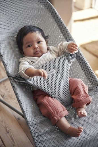 Babysitter Bliss Grå Mesh - BABYBJÖRN