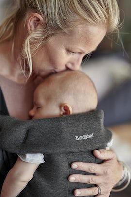Babytrage Mini Schwarzgrau in 3D-Jersey - BABYBJÖRN