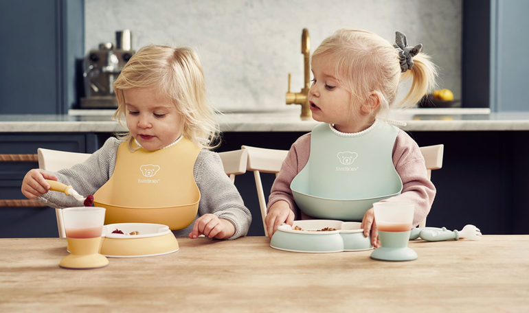 Baby Dinner set in Powder Green and Yellow - BABYBJÖRN