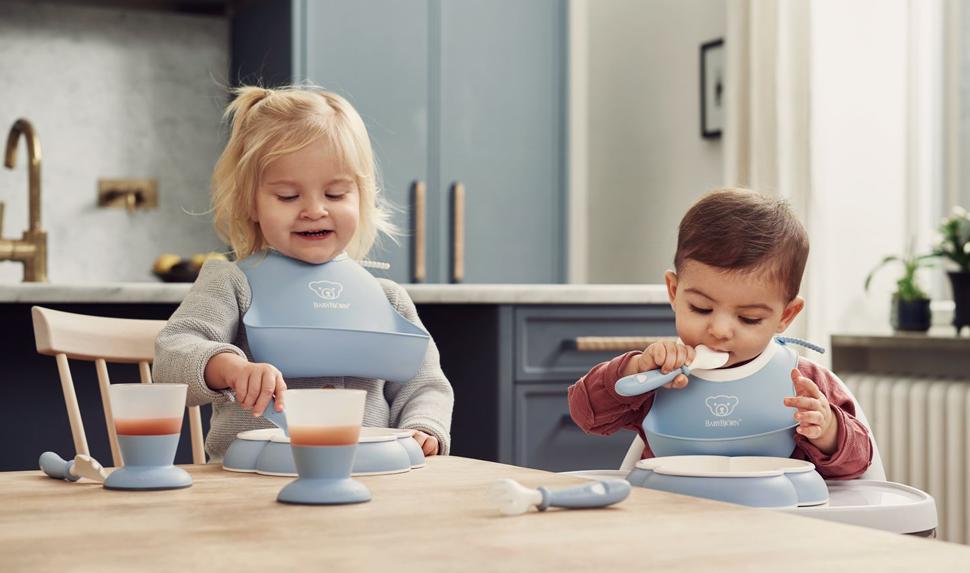 Baby Feeding Set in Powder Blue from BABYBJÖRN