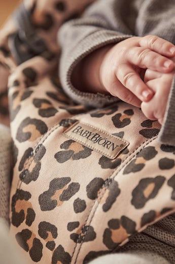 Hamaca Bliss Beige/Leopardo Cotton - BABYBJÖRN