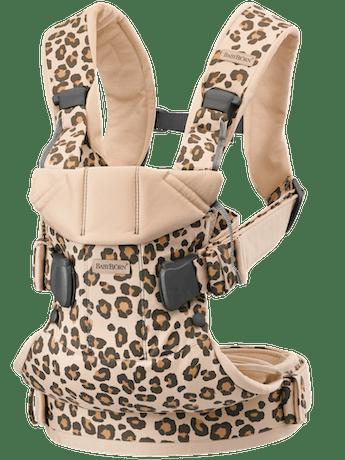 Porte-bébé One Beige/Léopard en coton - BABYBJÖRN
