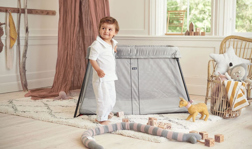 Travel cot Light in silver mesh - BABYBJÖRN