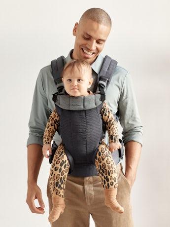 Mochila Porta Bebé Harmony Antracita 3D Mesh con apoyo para la espalda acolchado y un diseño ergonómico.