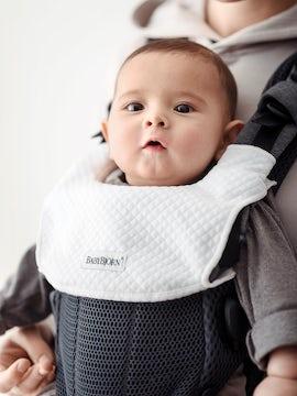 Lätzchen für Babytrage Harmony Weiss in weichem Tencel