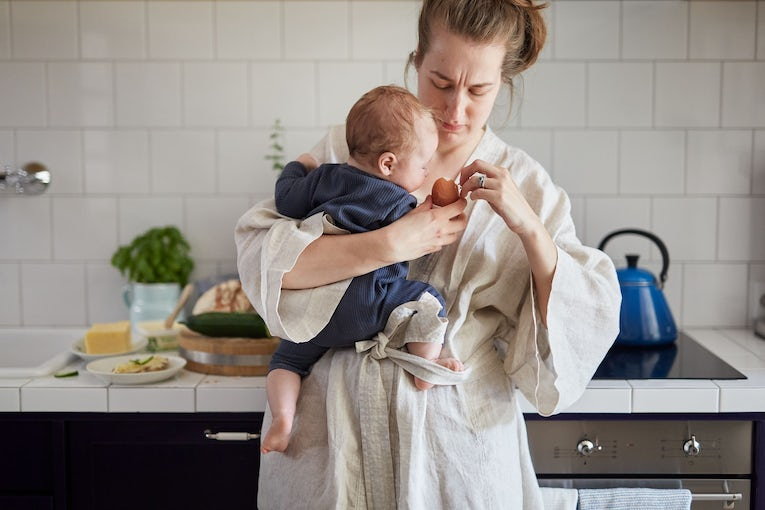 A helping hand. We all need a moment sometimes. And when you do, our baby bouncers are here for you. Offering you a helping hand by freeing up yours.